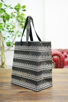papaer bag Design Print Graphic Fashion 紙袋 デザイン 印刷 グラフィクデザイン ファッション