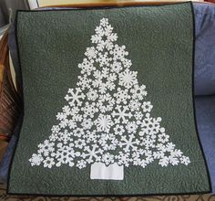 White Christmas wall hanging - this is gorgeous!