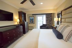 Deluxe King room with a balcony