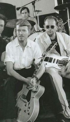 Bowie with Tin Machine Angie Bowie, David Bowie Born, Tin Machine, Terry O Neill, Bowie Starman, The Thin White Duke, Sound & Vision, Popular Music, Playing Guitar