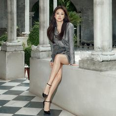 Song Hye Kyo Looks Stunning In New Shoe Campaign Beautiful Legs, Beautiful Asian Girls, Korean Beauty, Asian Beauty, Dramas, Model Legs, Girls In Mini Skirts, Pastel Outfit, Song Hye Kyo