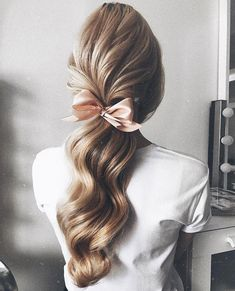 24 Prom Hair Styles To Look Amazing, Hair makeup Unless you have been living under a rock I am sure you are well aware the hair scrunchie trend is back. When I first got my hands on a scr. Hair Inspo, Hair Inspiration, Coiffure Hair, Hair Updo, Wavy Hair, Loose Hair, Thick Hair, Evening Hairstyles, Pretty Hairstyles