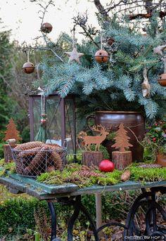 Hof 9: Adventsstimmung im Garten & ein Quasten-DIY