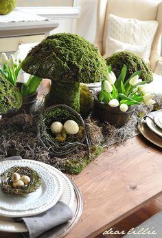 Tabelle mit Moos Pilz Topiari
