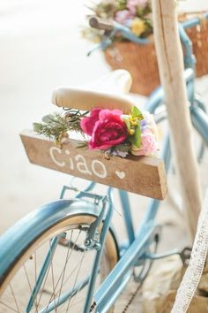 "Flowers in a basket on front and flowers with ""Ciao"" on the back of a blue bike at a beach in Costa Rica Photo Velo, Anjou Velo Vintage, Beach Elopement, Old Bikes, Vintage Bicycles, Vintage Diy, Vintage Vespa, Belle Photo, Costa Rica"