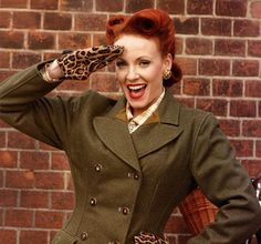 The Iconic 1940s Wartime 'Victory Rolls' Hairstyle Tutorial