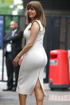 Curvy Women Outfits, Curvy Women Fashion, Clothes For Women, Beautiful Women Over 50, Beautiful Old Woman, Tight Dresses, Sexy Dresses, Sexy Older Women, Sexy Women
