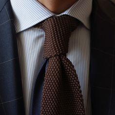 La cravatta solitaria - double bladed.