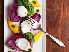 Mozzarella mit Mango ist ein Rezept mit frischen Zutaten aus der Kategorie Gemüsesalat. Probieren Sie dieses und weitere Rezepte von EAT SMARTER!