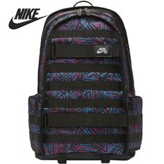 The Nike SB RPM Backpack is built to hold it all. From a padded laptop compartment to a place for your board, this durable design keeps gear close at hand. Black Backpack, Mochila Nike Sb, Velcro Straps, Color Pop, Laptop, Backpacks, Mens Fashion, Moda Masculina