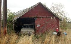 1970 Mercedes 280SE: Little Red Barn - http://barnfinds.com/1970-mercedes-280se-little-red-barn/