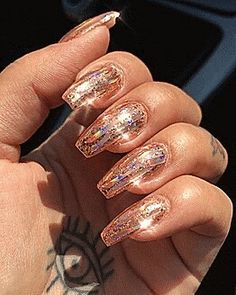 Animated gif discovered by 🌷 🌷. Find images and videos about fashion, gif and grunge on We Heart It - the app to get lost in what you love. Sparkle Nails, Glam Nails, Fancy Nails, Beauty Nails, Cute Nails, Pretty Nails, Gold Sparkle, Gold Glitter, Fabulous Nails