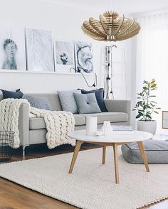 How To Choose the Best Accessories for Your Modern Living Room Decor salon scandinave The post How To Choose the Best Accessories for Your Modern Living Room Decor appeared first on Wohnaccessoires. Living Room White, Living Room Colors, Living Room Paint, Living Room Modern, Living Room Sofa, Interior Design Living Room, Rugs In Living Room, Living Room Designs, Apartment Living