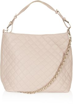 This soft quilted hobo bag would be adorrrrrable for spring!