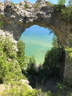 Overlooking the Arch Rock of Mackinac Island at midday [OC] x : EarthPorn Scenic Photography, National Photography, Mackinac Island Bridge, Places To Travel, Places To Visit, Northern Michigan, Adventure Is Out There, Landscape Photographers, Beautiful World