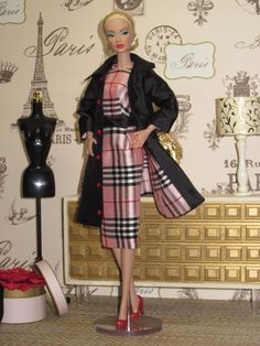 Burberry Trench 002 Vintage Fashion 1950s, Vintage Barbie, Vintage Dolls, Barbie Clothes, Barbie Dolls, Couture Fashion, Fashion Dolls, Plaid Fashion, Fashion Outfits