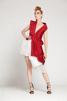 - METALYS - SIMON ALBO Collection Couture 2016/17  Veste asymétrique en jacquard de coton noir et rouge profond. Jupe de polyester blanc.Model: Florence Mestais Photo: Nicco Marchetti MUA & Hair: Angèle Gaspard.  All works ©SIMON ALBO.  #simonalbo #metalys #fashion #hats #couture #couturecollection fashiondesigner #mode #lookbook #dress #eveningdress #model #albo  #highfashion #shooting #highart #newfashion #mask