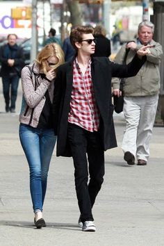 Andrew Garfield Photos - Emma Stone and Andrew Garfield Out Together in NYC 2 - Zimbio