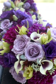 Google Image Result for http://floraldesignbyjacquelineahne.files.wordpress.com/2012/02/jamies-wed-56.jpg%3Fw%3D480%26h%3D720