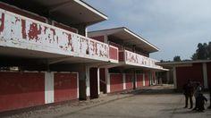 Mans plegades... o com saber veure l'oportunitat de canvi. Francisco Perez Anampa School / Architecture For Humanity