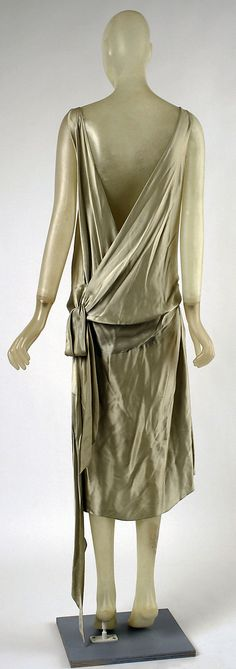 Dress, Evening  Madeleine Vionnet (French, Chilleurs-aux-Bois 1876–1975 Paris)  Date: ca. 1928 Culture: French Medium: silk Dimensions: [no dimensions available] Credit Line: Gift of Mrs. Herman F. Clarke, 1940