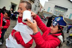 Freaky Friday in Weymouth town centre on 30th October 2015.   Grisly games in New Bond Street.  Picture: Graham Hunt.