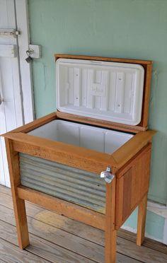 DIY Rustic Pallet Wood Outdoor Cooler | 99 Pallets