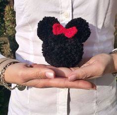 Minnie Mouse Yarn Pom Pom