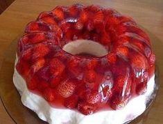 Strawberry jelly with vanilla cream # food dessert recipes Strawberry Jelly, Low Calorie Desserts, Good Food, Yummy Food, Vanilla Cream, Russian Recipes, Cream Recipes, International Recipes, Chocolate Desserts