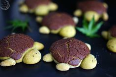 Matcha Bread Turtles with Chocolate
