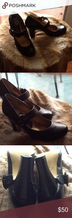 Nine West Black Shoes MaryJane comfortable shoes in Black with side buckle. Worn 2X. No stratches. Size 8.5. Heel height 4 inches. Nine West Shoes Heels