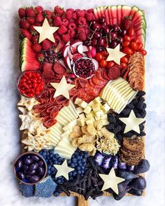 Now thats a of July celebration done right! Were all about this charcuterie board from and Happy all! Fourth Of July Food, 4th Of July Celebration, 4th Of July Party, 4th Of July Ideas, Patriotic Party, Holiday Treats, Holiday Recipes, Fun Recipes, Party Recipes