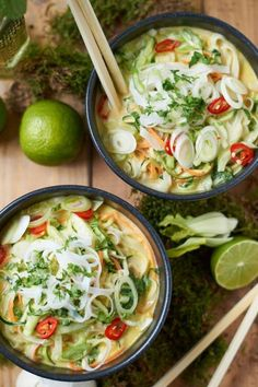 Green Thai Curry with Pak Choi. Flavorful Green Thai Curry with Zucchini. Carrots and Pak Choi. Ready in just 20 Minutes! (in German) Fish Recipes, Healthy Dinner Recipes, Asian Recipes, Soup Recipes, Vegetarian Recipes, Ethnic Recipes, Simple Recipes, Cookie Recipes, Vegetarian Lifestyle