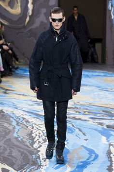 Look n°30 from the Louis Vuitton Fall/Winter 2014-2015 Fashion Show