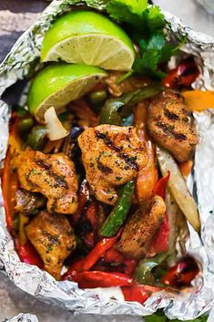 Foil Packet Dinners, Foil Pack Meals, Foil Dinners, Healthy Recipes, Healthy Eating Tips, Mexican Food Recipes, Keto Recipes, Bariatric Recipes, Healthy Nutrition