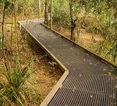 Landscape Architecture Design, House Landscape, Urban Landscape, Wood Walkway, Garden Spaces, Backyard Landscaping, Outdoor Gardens, Garden Design, Parking Design