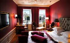http://www.hotelstein.at/en-rooms-suites-salzburg.htm  Panoramic view of the historic old town centre