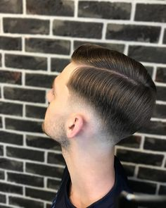 18 Best Low Fade Comb Over Haircuts in 2020 Retro Mens Hairstyles, Mens Braids Hairstyles, Thin Hair Haircuts, Classic Hairstyles, Cool Hairstyles, Balding Hairstyles, Haircut Tip, Comb Over Haircut, Low Fade Comb Over