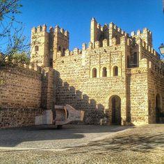 """Lugar de Encuentros V"", de Eduardo Chillida, Plaza de Alfonso VI. Toledo, Castilla la Mancha. España"