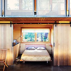 Small sleeping quarters - Small Cabin Lives Big - Sunset Mobile
