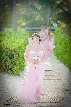#beachwedding #pinkbridesmaiddress #beachwedding #romanticbeachwedding