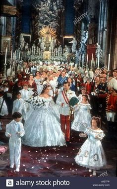 Romy Schneider like Sissi and Karlheinz Böhm like Franz Joseph I - klara Princesa Sissi, Sissi Film, Empress Sissi, Actrices Hollywood, High Society, Vintage Hollywood, Royal Fashion, Marie, Royalty