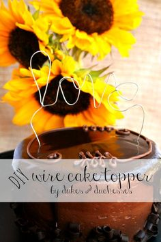 awesome Top Summer Projects for Friday Diy Cake Topper, Cake Toppers, Creative Crafts, Fun Crafts, Creative Food, Tissue Paper Tassel, Diy Party, Party Ideas, Holiday Cupcakes