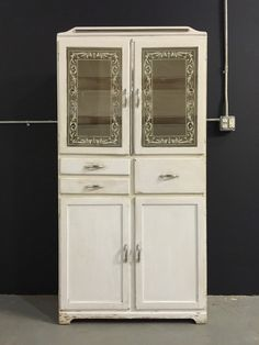 Vintage Antique Kitchen Dish Cabinet Cupboard 1950's White Red ...