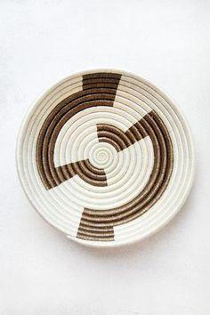 Hand Woven Plateau Basket - Cream and Metallic Gold Zig Zag - Zeal Living - 1