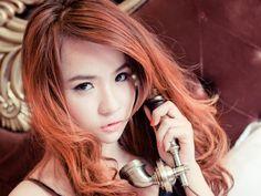 calling-girl.jpg (600×450)