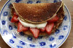 Svele med jordbær og rømme- Svele with strawberries and sourcream