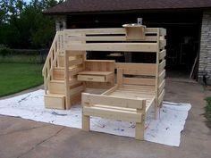 Diy bunk bed - Timeless Wood lofts and bunk beds Loft Bunk Beds, Bunk Bed Plans, Modern Bunk Beds, Bunk Beds With Stairs, Kids Bunk Beds, Pallet Bunk Beds, Diy Bunkbeds, Bunk Bed With Desk, Kids Beds Diy