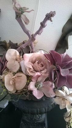 bloemstuk Floral Wreath, Wreaths, Plants, Home Decor, Decoration Home, Room Decor, Planters, Bouquet, Plant