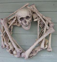 DIY Skeleton Wreath Tutorial for Halloween (Ready, Set, Craft! Spooky Halloween, Feliz Halloween, Theme Halloween, Holidays Halloween, Halloween Crafts, Holiday Crafts, Holiday Fun, Happy Halloween, Halloween Decorations